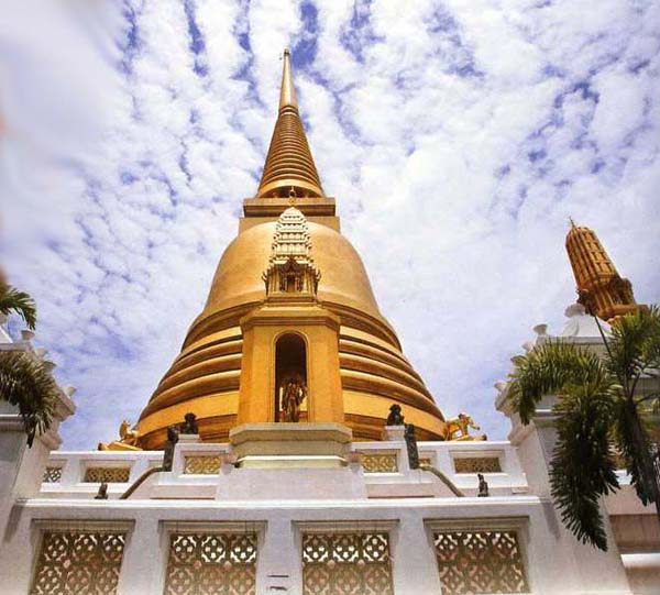 Wat Bowonniwetwihan in Bangkok, Thailand