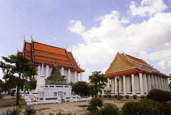 Wat Kanlayanamit, Bangkok Thailand