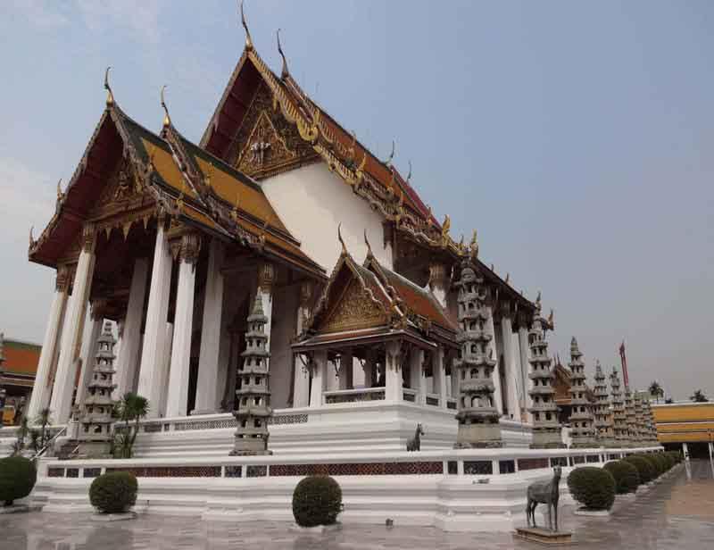 Wat Suthat Thep Wararam Bangkok
