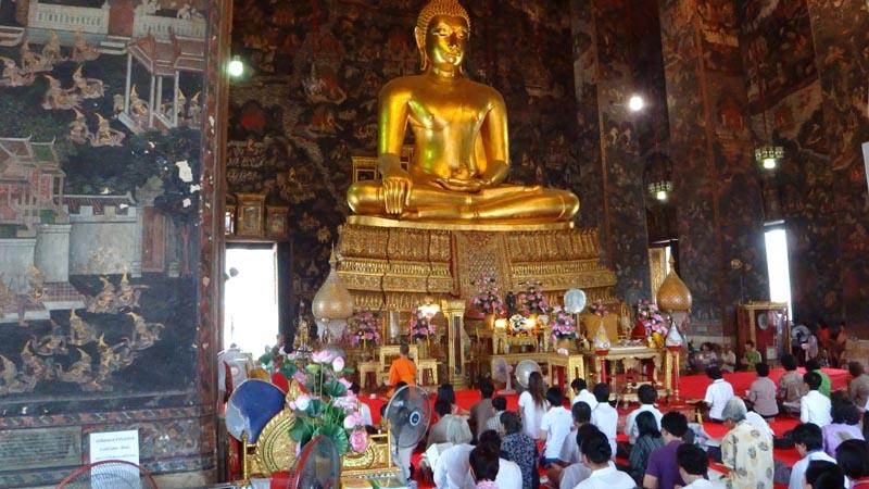 Wat Suthat Thepwararam  Temples In Bangkok Pictures